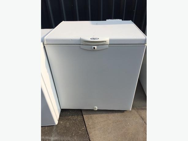 🎉whirlpool mid size chest freezer
