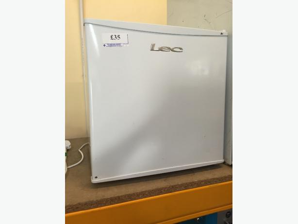 ☀️LEC tabletop fridge cal 863838 w-ton