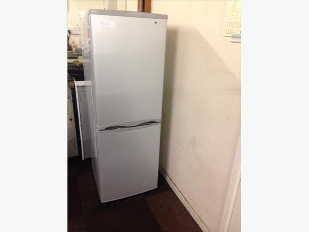 CURRYS ESSENTIALS FRIDGE FREEZER29
