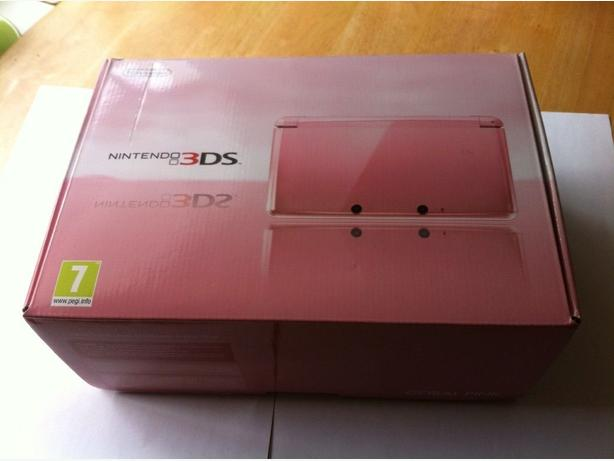 Nintendo 3ds Coral Pink MINT condition with box