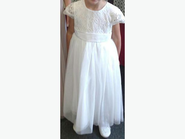 flowergirl /bridesmaid dress aged 5