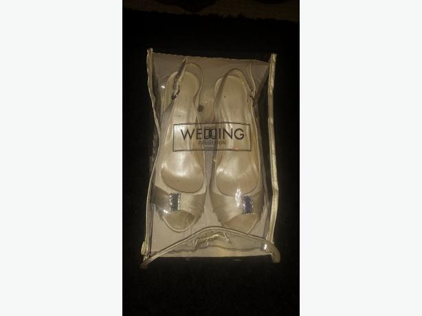 Ivory bridal shoes size 6