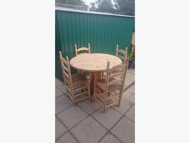 solid pine round table 4 chairs wolverhampton dudley