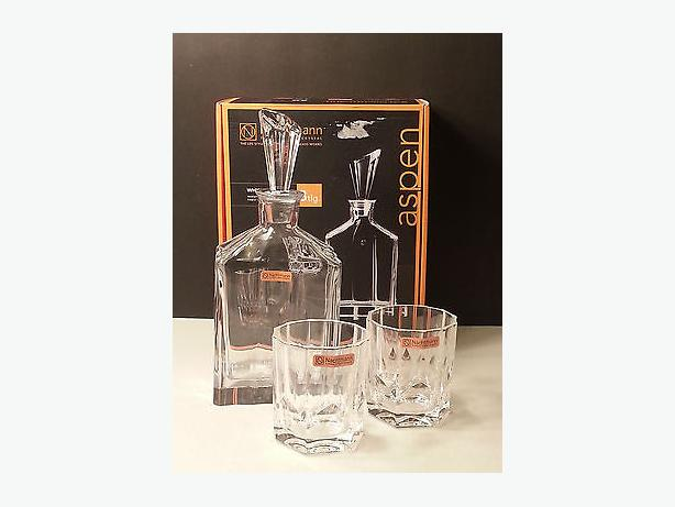 NACHTMANN ASPEN WHISKEY DECANTER 3 PIECE SET plus 4 extra glasses