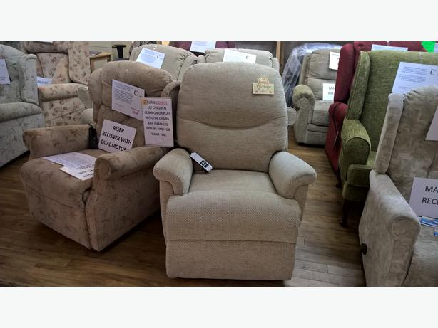 Ex-Display Sherborne Keswick Dual Motor Riser Recliner Chair