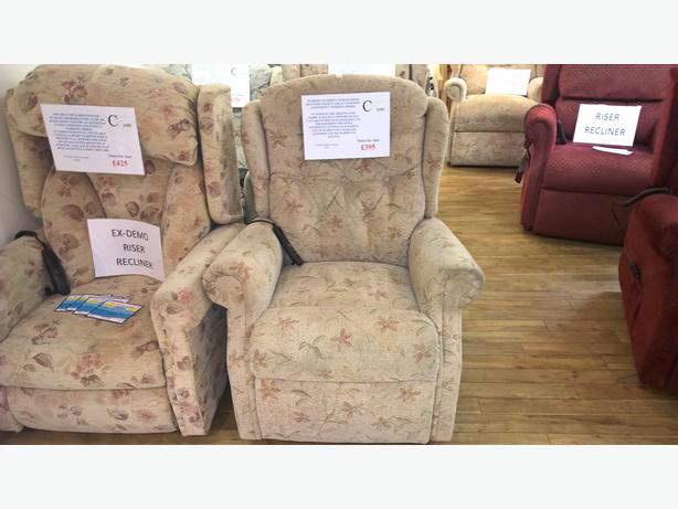 Celebrity Woburn Dual Motor Riser Recliner Chair
