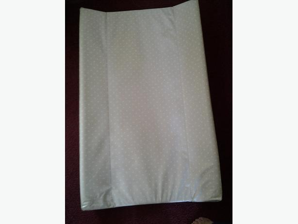 Over cot changing mat