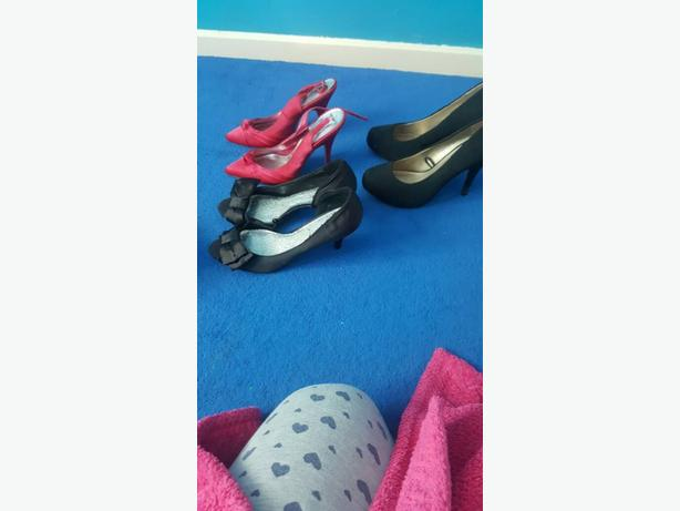 3 pairs of women's shoes 7