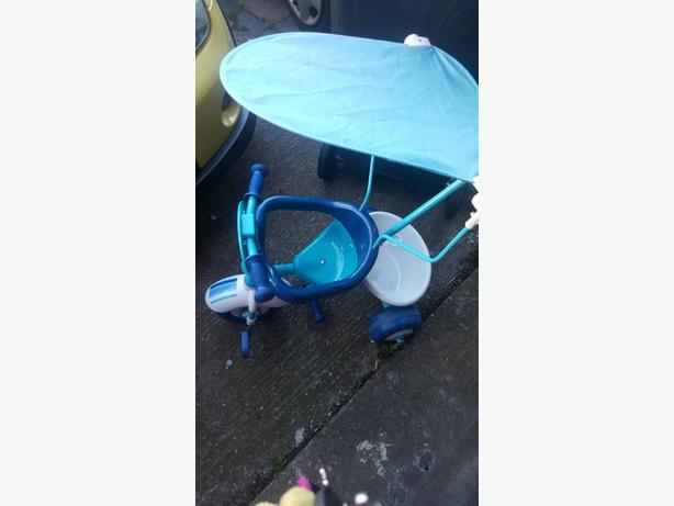 toddler parent controlled  trike in blue