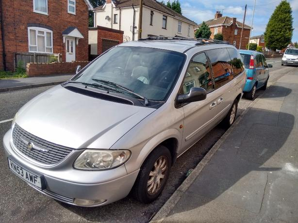 *lower price!* chrysler grand voyager 2.5L diesel 53 plate