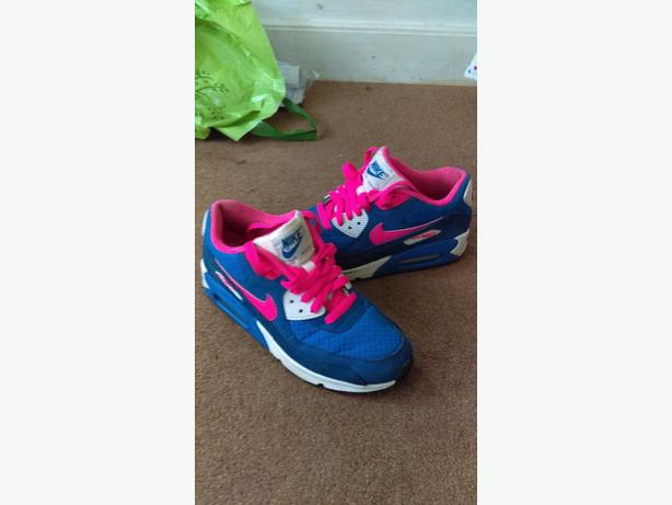 Air max 90s 2 weeks old size 5, paid £65
