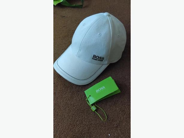 white hugo boss cap