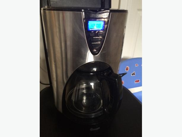 Swan Filtered Coffee Maker