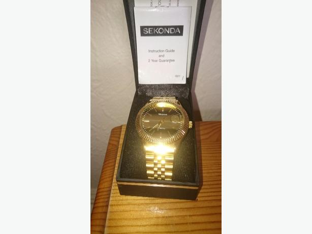 mens gold sekonda watch