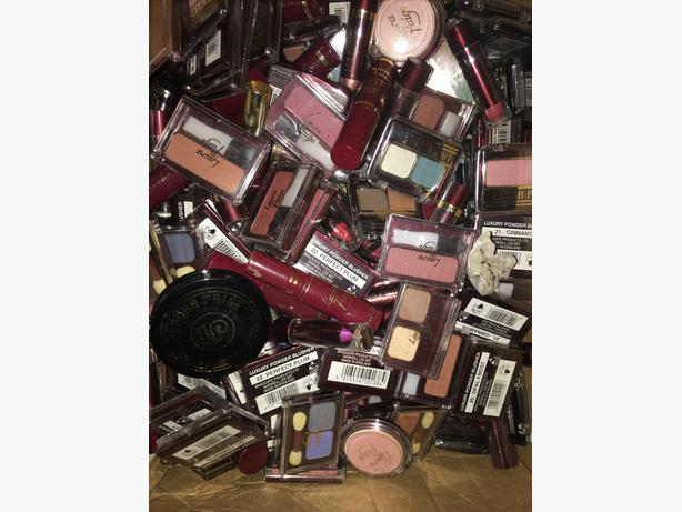 100 pieces of make up for £35