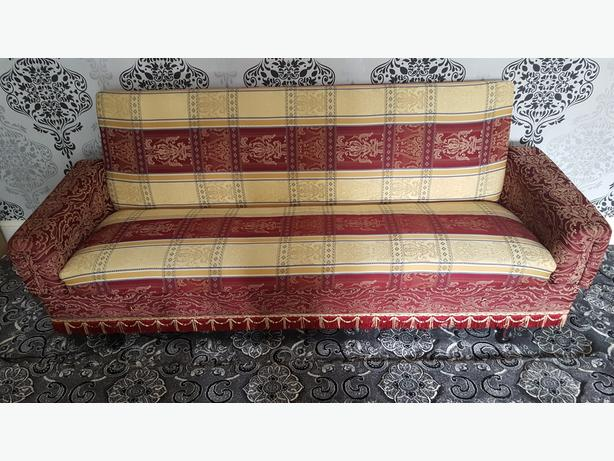 1 SETTEE/SOFA BED IN GOOD CONDITION