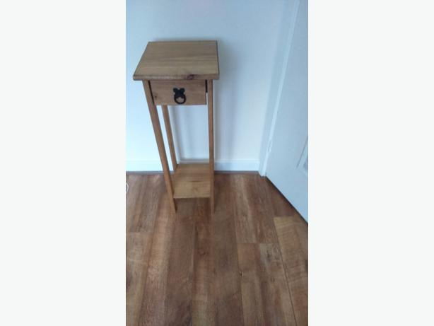 PINE LAMP / PLANT STANDS