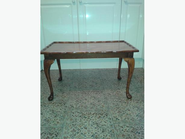 Cabriolet leg coffee/occasional table