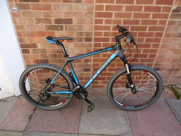 Cube acid mountain bike SUPER AS NEW