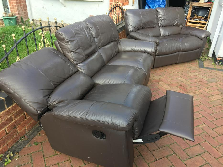 3 + 2 Brown Leather Recliner Settee Sofa 3 And 2 Seater