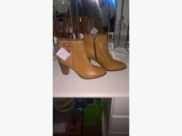 brand new boots 6