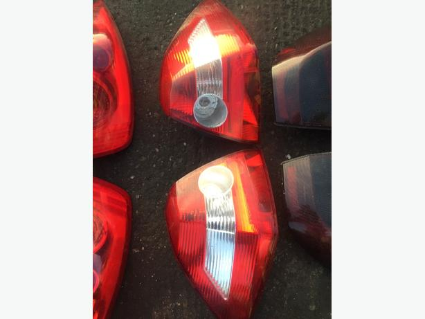 RENAULT MEGANE SALOON BACK LIGHT BRAKE LIGHT