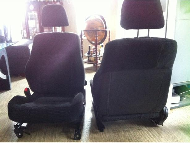black car/truck seats