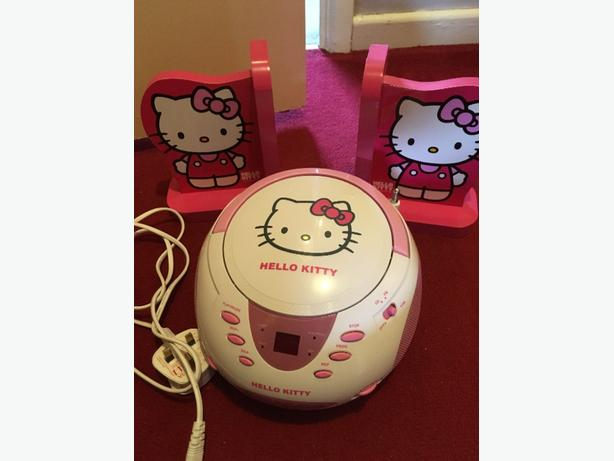 hello kitty stereo and bookends