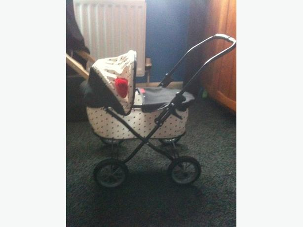 girls mamas and papas dolls pushchair