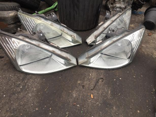 FORD FOCUS HEADLIGHT FRONT LIGHT MK1 DRIVER PASSENGER £20 EACH