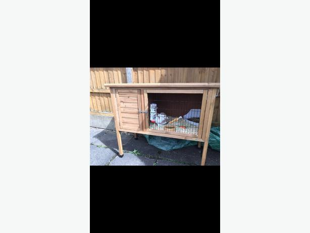 Small Rabbit/ Guinea pig Hutch