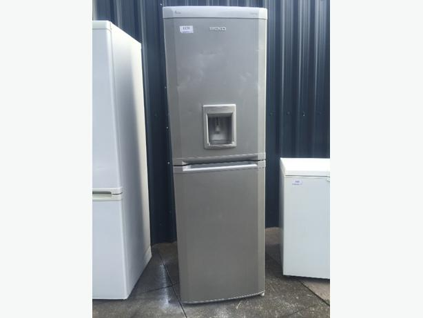 🎪Free delivery on this beko fridgefreezer