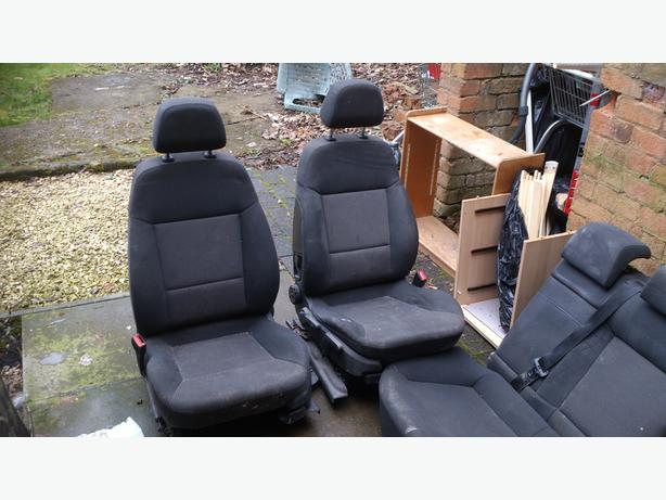 VAUXHALL VECTRA C CLOTH SEATS IN DECENT CONDITION