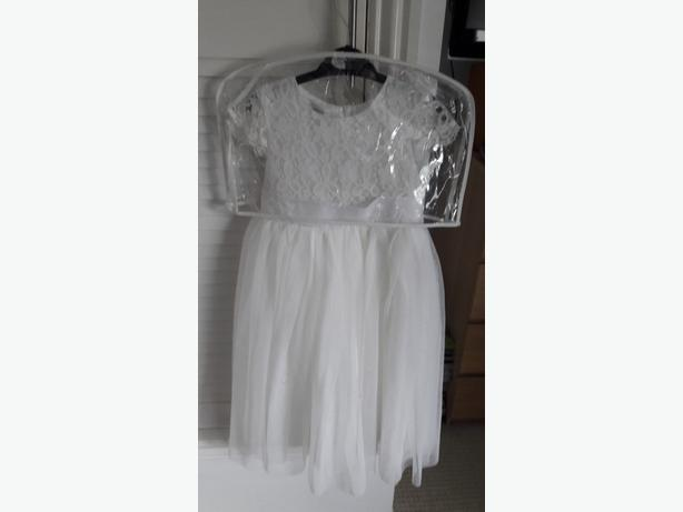 girls flowergirl/bridesmaid dress aged 5