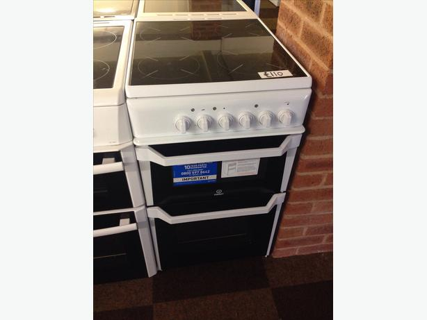 INDESIT 50CM ELECTRIC COOKER0