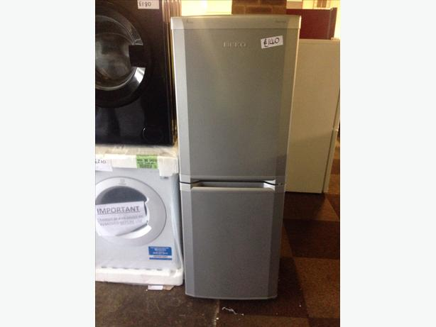 SILVER BEKO FRIDGE FREEZER0