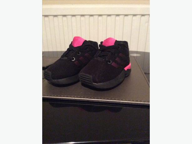 Girls Trainers adidas pink and black zx flux size infant 4 £15 Ono