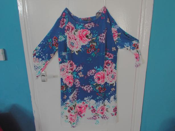 Blue long sleeve flowery dress
