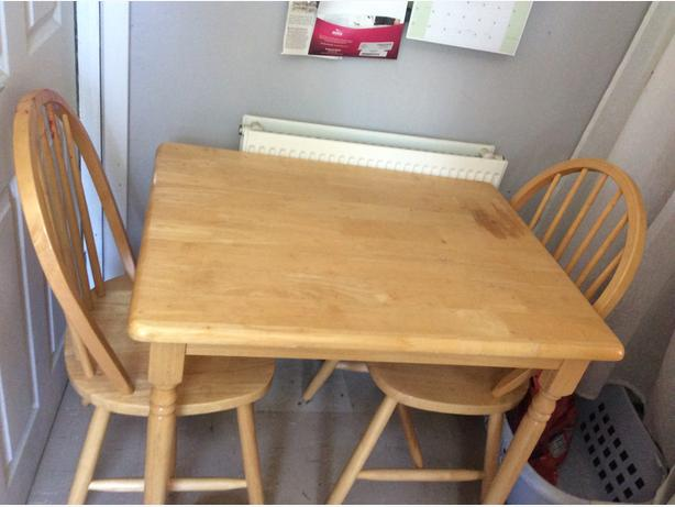 Pine dinner table and chairs