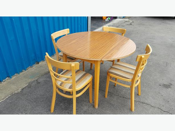 Dining Table and Chairs WALSALL Wolverhampton : 105965182614 from www.usedwolverhampton.co.uk size 614 x 461 jpeg 42kB