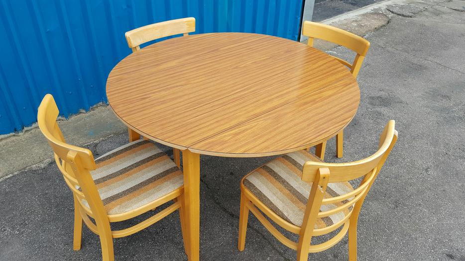 Dining Table and Chairs WALSALL Wolverhampton : 105965183934 from www.usedwolverhampton.co.uk size 934 x 525 jpeg 99kB