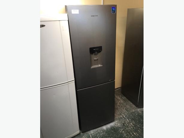 ☀️samsung water dispenser fridgefreezer