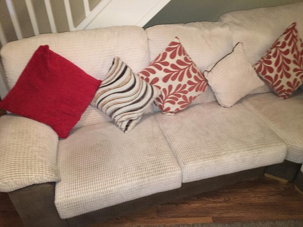 corner sofa (MUST COLLECT)