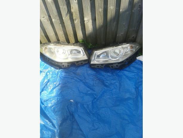 Megane 06 plat front lights