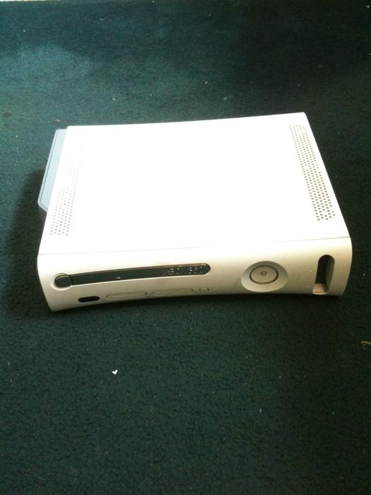Xbox 360 Console Only XBOX 360 CONSOLE GOOD ...