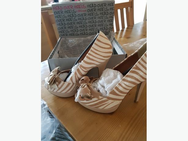 dune heels size 6