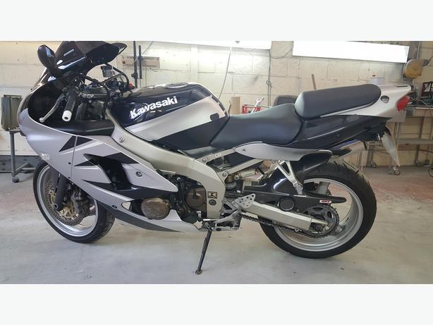 Kawasaki zx6r  W reg 2000 model