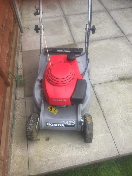lawnmower honda hrb 423 rear walsall dudley. Black Bedroom Furniture Sets. Home Design Ideas