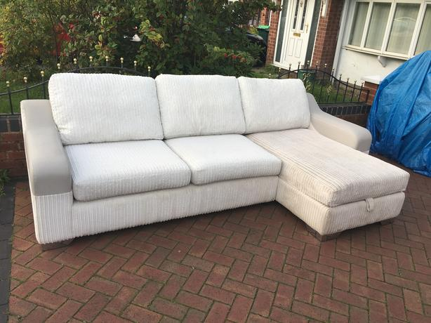 DFS corner sofa in excellent condition // free delivery
