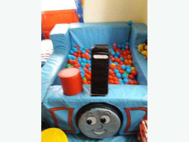 60  pound thomas the tank sensory ballpit with balls